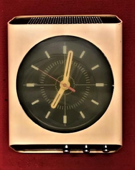 EUROPHON H10 İTALYAN MALI 1968 YIL ÜRETİMİ RADYO SAAT KIREM RENK PİLLİ DUVAR İÇİN TASARLANMIŞ