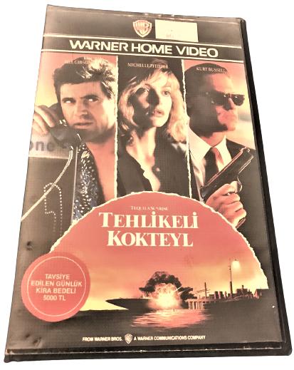 TEHLİKELİ KOKTEYL  WARNER HOME VİDEO VHS VİDEO FİLM KASEDİ