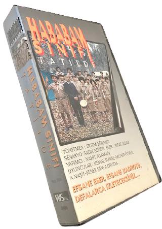 VHS SİNEMA KASEDİ HABABAM SINIFI TATİLDE KEMAL SUNAL ŞENER ŞEN ERTEM EGİLMEZ ARZU FİLM