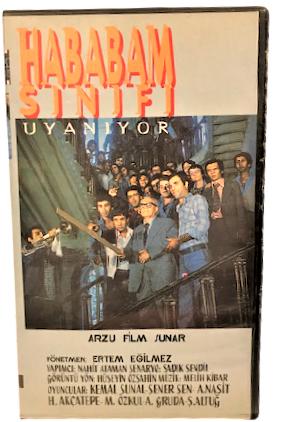 VHS SİNEMA KASEDİ HABABAM SINIFI UYANIYOR KEMAL SUNAL ŞENER ŞEN ERTEM EGİLMEZ ARZU FİLM